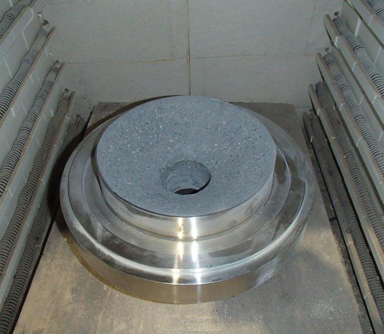 RÉALISATION #24  ATELIER   Nos fours permettent la cuisson de pièces à très haute température.…